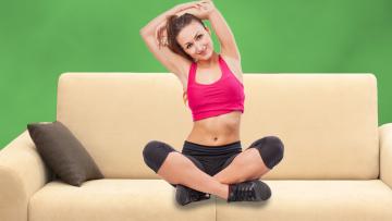 Ginnastica da divano: come rimanere in forma tutto l'anno!