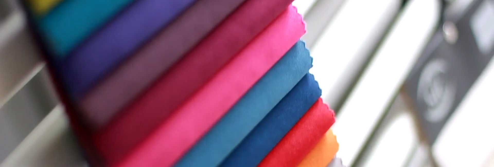 Come scegliere il tessuto per il Divano.  Idee e consigli per non sbagliare!